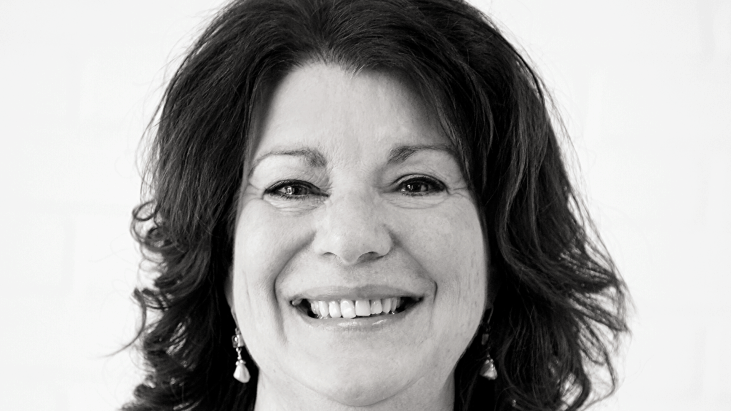 Sylvie Carier, noir et blanc, gros plan
